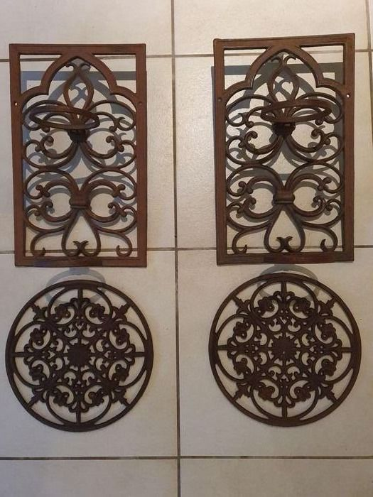 2 Wall decorations or Coasters and 2 Plant hangers (4) - IJzer (gegoten/gesmeed) - recent