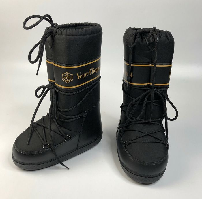 Veuve Clicquot Black & Yellow Puffy Snow Boots, size 41-43 - Champagne