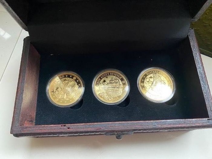 Barbados. 25 Cent 2018 'Pirates of Barbados' (3 pieces) Prooflike in wooden box