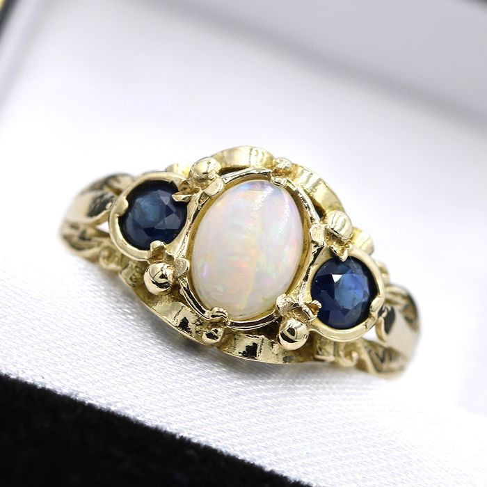 9 kt. Yellow gold - Ring - 0.42 ct Opal - Sapphires