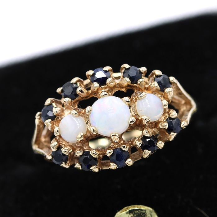 9 kt. Yellow gold - Ring - 0.38 ct Opal - Sapphires