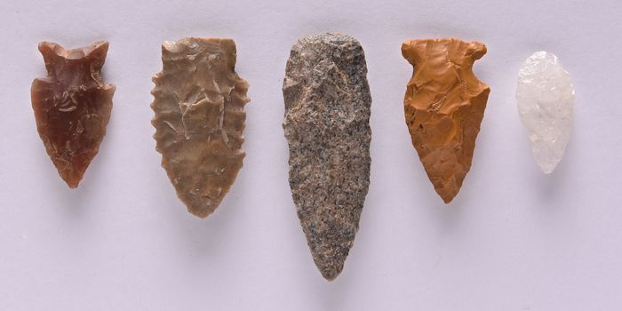 Prehistoric, Neolithic quartzite, flint, quartz Lot with 5 strikers from the USA, 69 - 34 mm - (5)