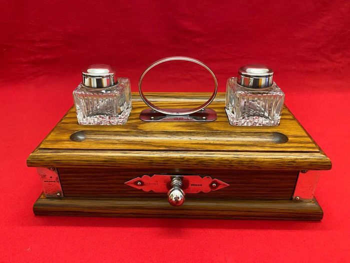 Preview of the first image of Inkstand - .800 silver - England - Second half 20th century.
