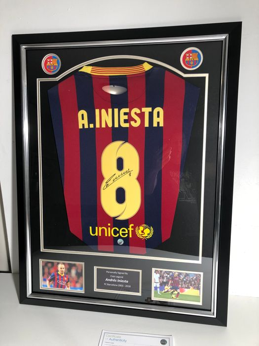 FC Barcelone - Championnat d'Espagne de Football - Andres Iniesta - 2013 - Jersey(s)