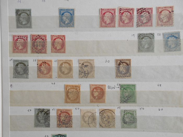 Francia - Set of classic, semi-modern, modern and end of catalogue stamps on album pages with strips. - Yvert