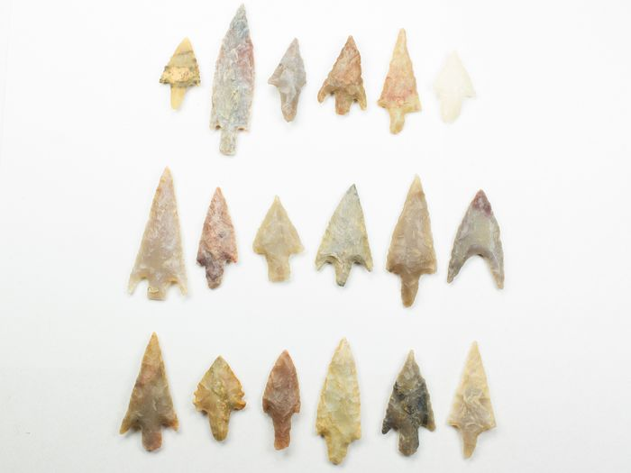 Prehistoric, Neolithic Stone arrowheads - 23×10×46 mm - (18)