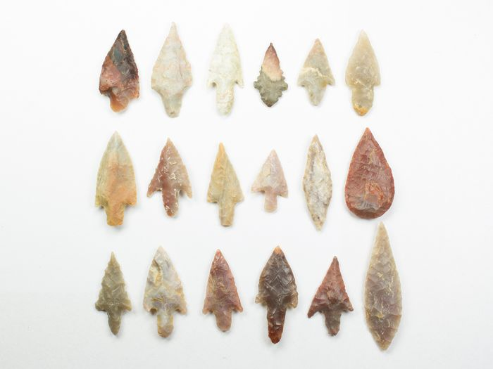 Prehistoric, Neolithic Stone arrowheads - 23×10×45 mm - (18)