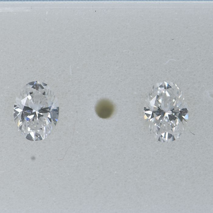 2 pcs Diamant - 0.35 ct - Oval - E - VS2 Matching Pair  IGI Antwerp Certified No Reserve price