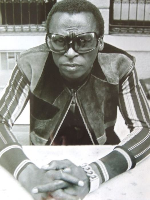Stunning Miles Davis - Stunning Big Photo - From The Icon Collection - Foto met COA & Best of Blue Note Book Inlf CD - 1969/2012