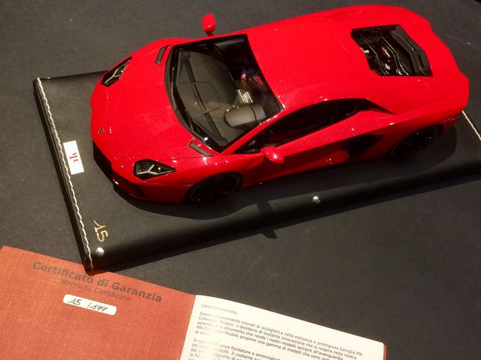 MR collection - 1:18 - Lamborghini Aventador LP700-4 - Metal Red limited edition n ° 15/199