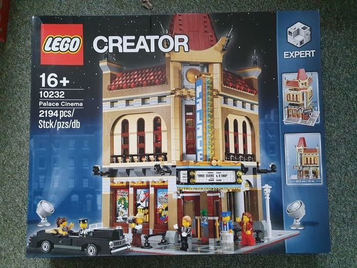 Preview of the first image of LEGO - Creator - 10232 - Building Palace Cinema - 2000-present - Netherlands.