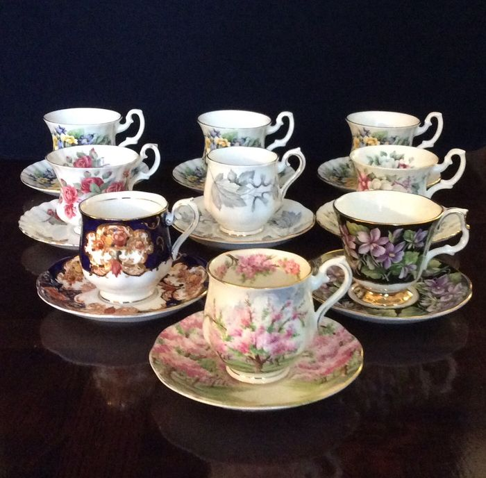 Royal Albert - Tasses et soucoupes (9) - Porcelaine
