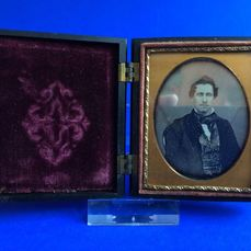 American School (19th century) - 1/9th plate Daguerreotype of man, late 1850's