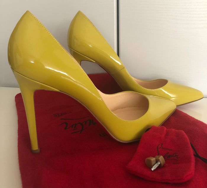 Christian Louboutin - Escarpins - Taille: Chaussures / UE 37.5