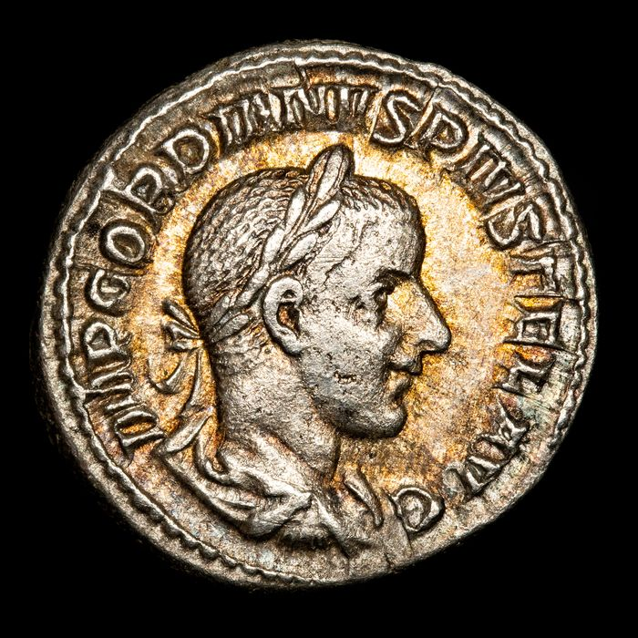 Roman Empire. Gordian III (AD 238-244). AR Denarius,  Rome mint - AETERNITATI AVG, Sol raising right hand and holding globe in left