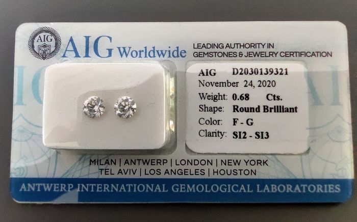 2 pcs Diamantes - 0.68 ct - Redondo - F, G - SI2 - SI3 - NO RESERVE PRICE!