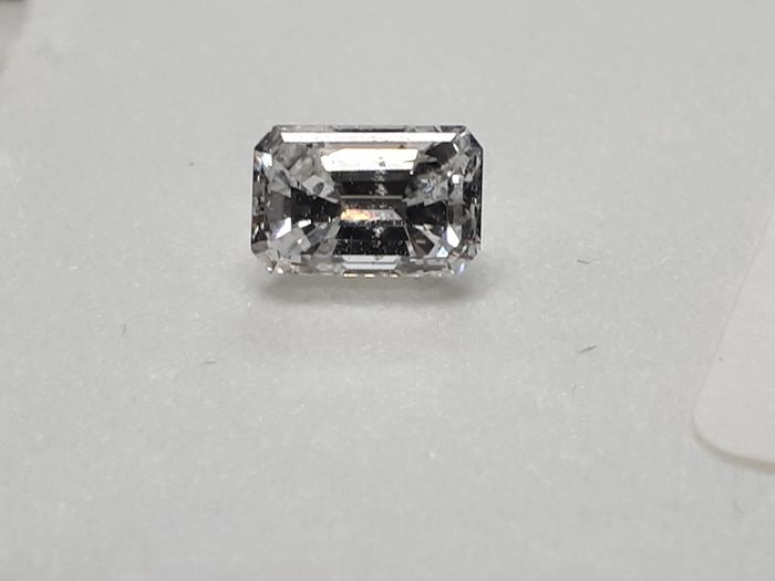 1 pcs Diamant - 0.83 ct - Émeraude - D (incolore) - I1