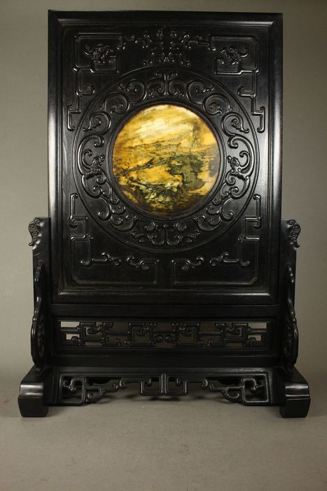 Écran de table - bois teinté - A big carved stained wood Inlay marble table screen - Chine - Fin du XXe siècle