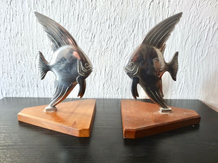 Pair Of Art Deco Fish Bookends Art Deco Steel Catawiki