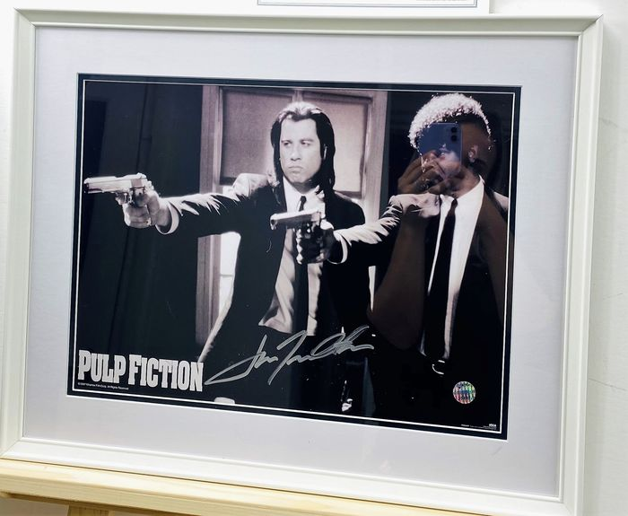 Pulp Fiction - Tarantino - John Travolta is Vincent Vega - Handtekening, Poster, Signed, framed, with Coa