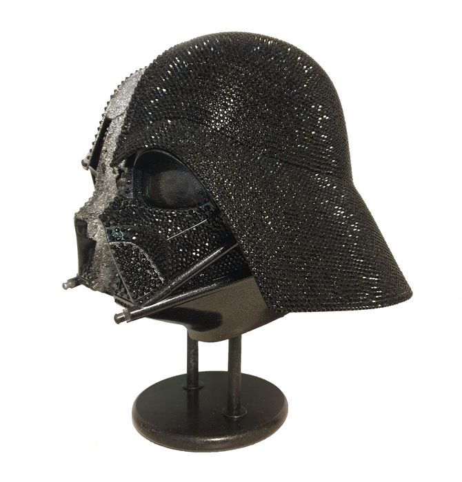 Star Wars (1977) - Darth Vader - Unique Sculpture with thousands of original Swarovski and Gava Crystals - Pinventor - Artwork, Signed by the artist - 45x40x35 cm