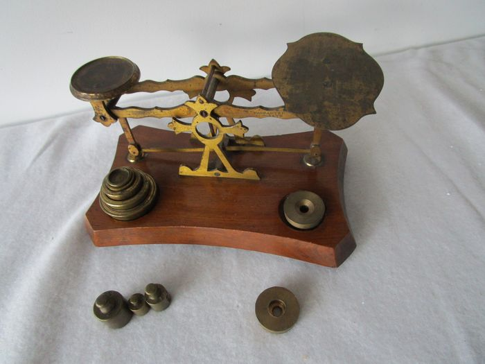 Postal scale 1- Early 20th century - Wood-Brass