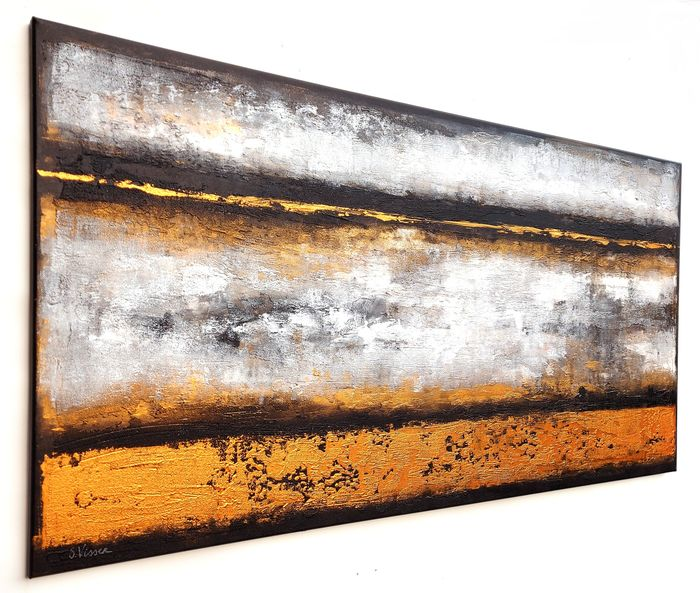 Suzanne Visser - Abstract in Gold