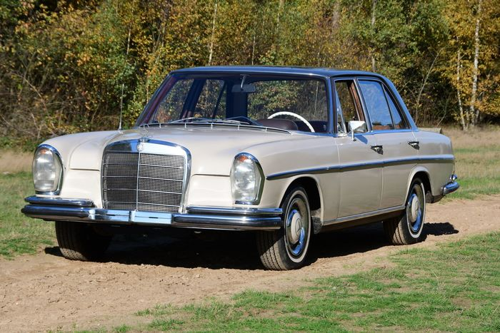 Mercedes-Benz - 250S  NO-RESERVE - 1966