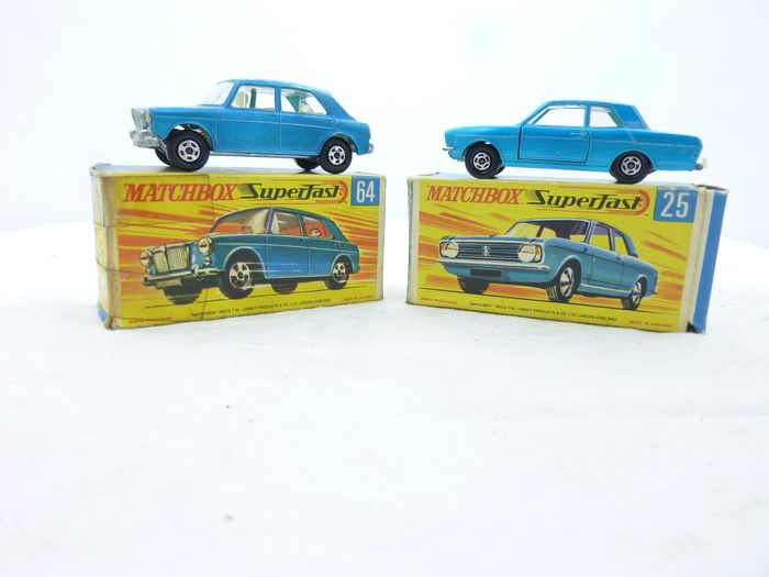 Preview of the first image of Matchbox - 1:64 - no.25 ford cortina gt no.64 mg.100 - 64-25.