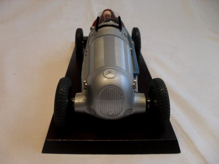 Image 3 of Märklin - Construction kit car, clockwork engine, Mercedes, Silver Arrow, classic car Mercedes,Silb