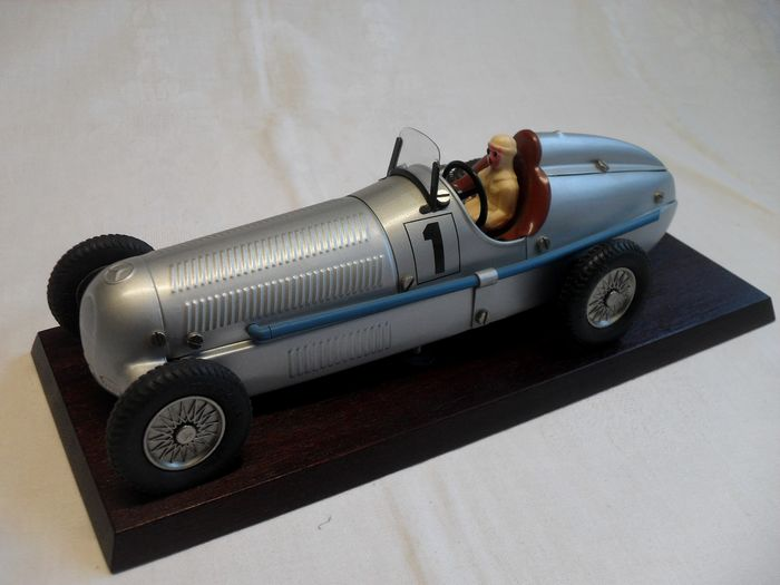 Image 2 of Märklin - Construction kit car, clockwork engine, Mercedes, Silver Arrow, classic car Mercedes,Silb