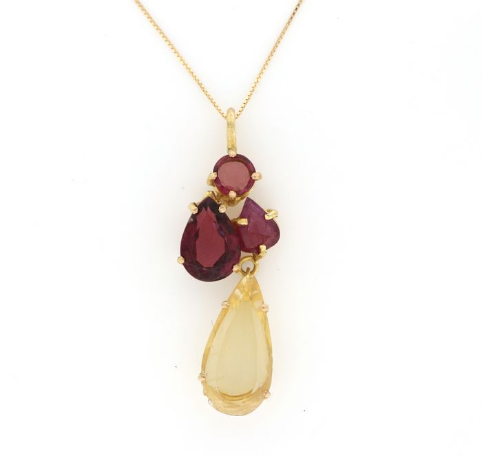 Preview of the first image of 18 kt. Yellow gold - Necklace, Necklace with pendant - 2.00 ct Ruby - Citrine, Garnets.