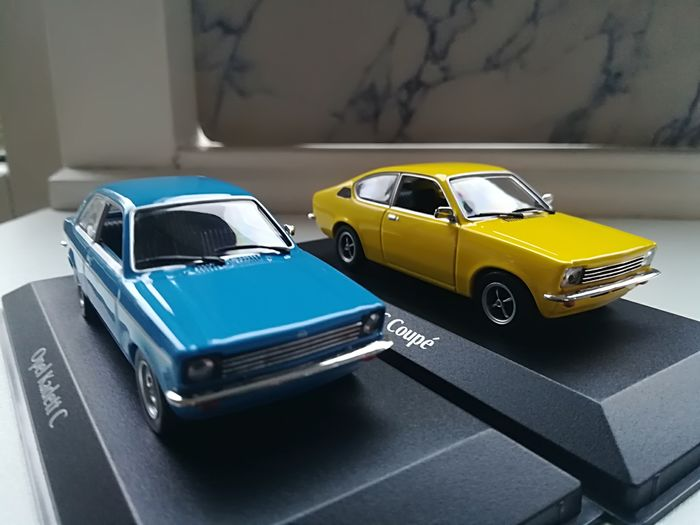 Preview of the first image of Maxichamps - 1:43 - Opel Kadett C + Opel Kadett Coupe - with display cases.