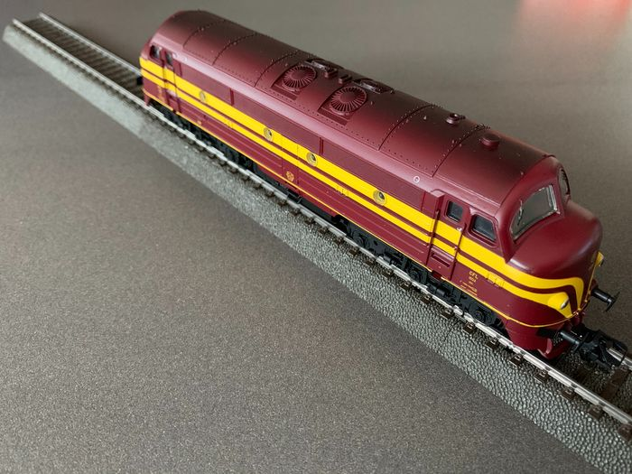 Preview of the first image of Märklin H0 - 37669 - Diesel-electric locomotive - Series 1600 - CFL.