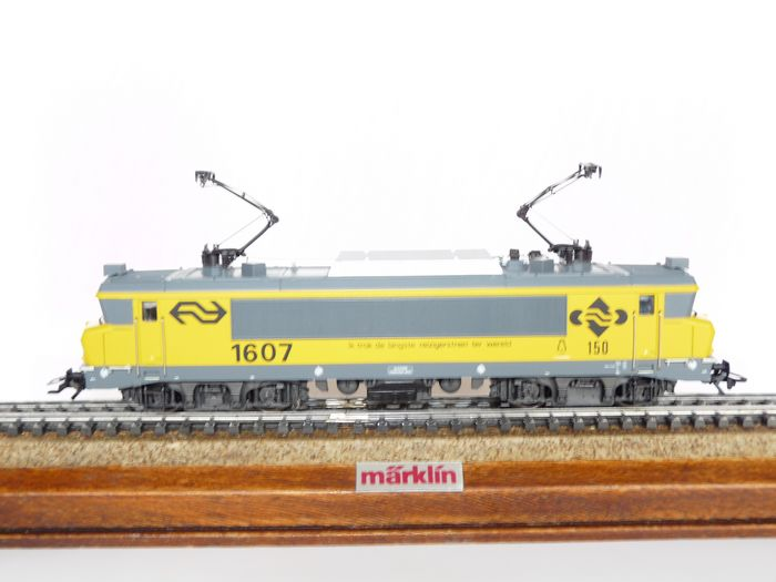 """Image 2 of Märklin H0 - 3326.2 - Electric locomotive - Series 1600, """"I pulled the longest train in the world"""""""