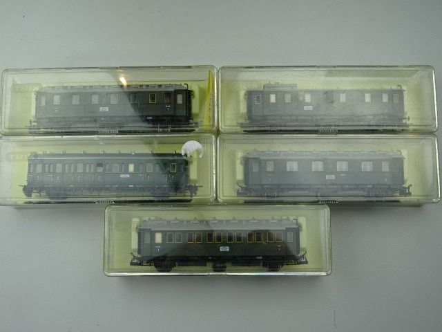 Image 2 of Trix H0 - Passenger carriage - 4 x 3-axle passenger car C3ü 3rd class & 1 x 2-axle luggage trolley