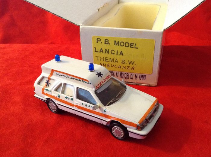 """Preview of the first image of P.B. MODEL - made in Italy - 1:43 - Lancia Thema Station Wagon """"Ambulanza"""" - Volontari Assistenza P."""