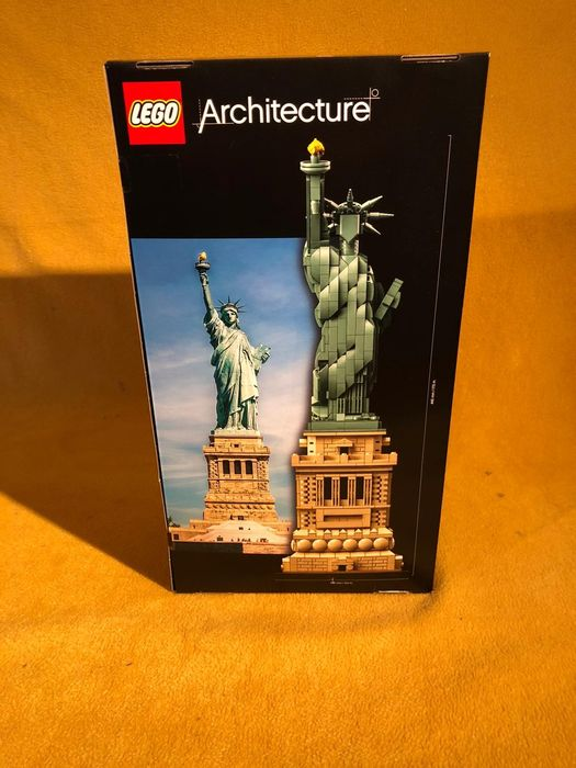 Image 3 of LEGO - Architecture - 21042 - Statue of Liberty, New York USA