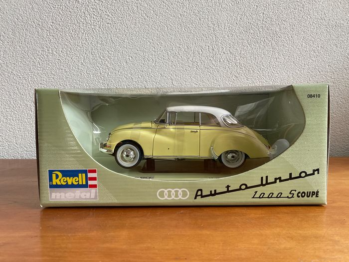 Image 2 of Revell - 1:18 - Audi 1000 S Coupé