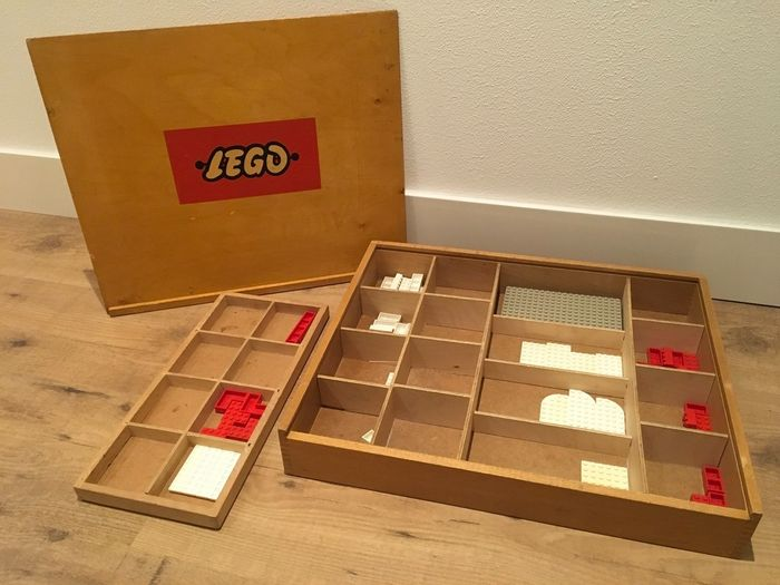 Image 2 of LEGO - Vintage - 2 Wooden LEGO boxes with vintage CA plastic parts and cars - Cars and special part