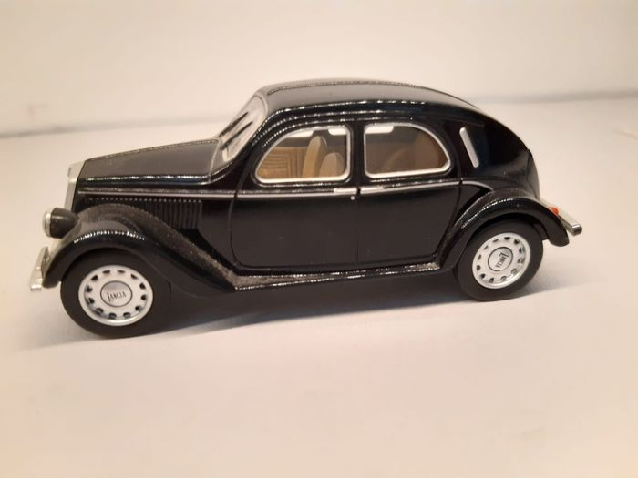 Image 2 of Bymetro sales promotion,DeA - 1:43 - 6 x Black Car Models Collection