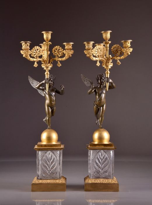 Image 2 of A pair of 4-light candelabra with cupids on a crystal base - Louis Philippe - Bronze (gilt), Bronze