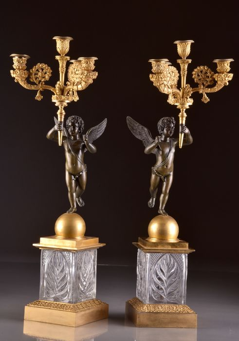 Image 3 of A pair of 4-light candelabra with cupids on a crystal base - Louis Philippe - Bronze (gilt), Bronze