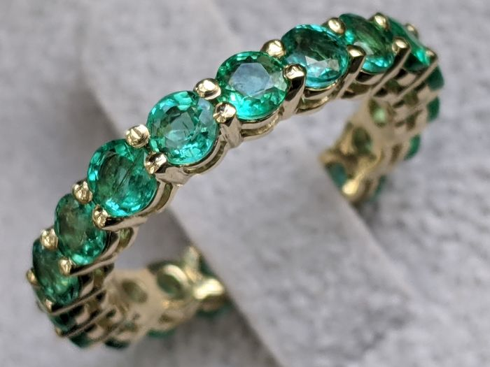 3.15 Carat Top Quality Natural Emeralds Eternity Band - 14 kt Gelbgold - Ring - 3.15 ct Smaragd - KEINE RESERVE