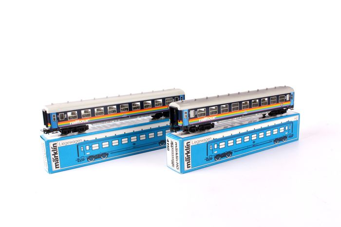 Preview of the first image of Märklin H0 - 4118 - Passenger carriage - 2x Y28 Railtour carriages - NMBS.