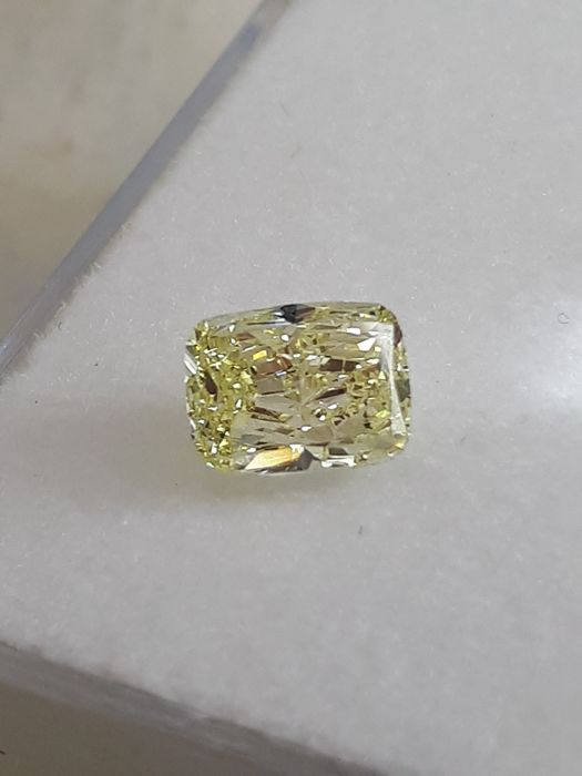 Diamant - 1.00 ct - Coussin - fancy yellow - SI2