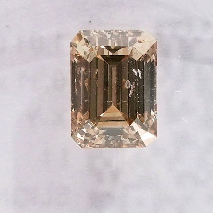 Diamond - 1.01 ct - Emerald - X-Y, Light Yellowish Brown - I1