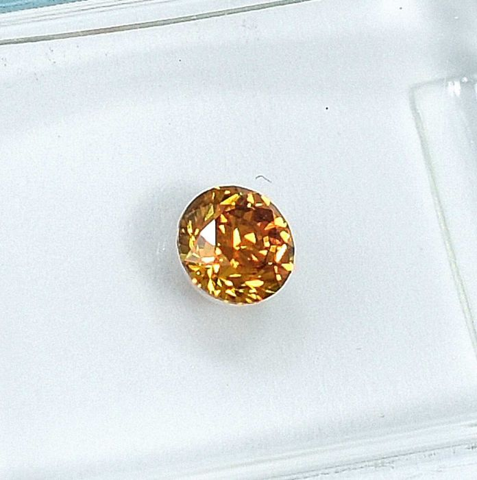 Diamante - 0.26 ct - Brillante - Natural Fancy Intense Orangy Yellow - VS2
