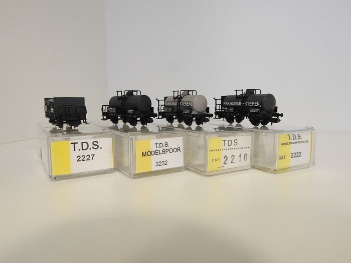 T.D.S N - 2210/22/27/32 - Freight carriage - 4 various - NS