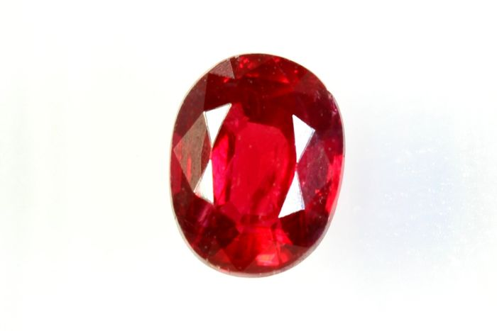 No Reserve Price - Pigeon Blood Red - Fine Color Quality - Ruby - 0.78 ct
